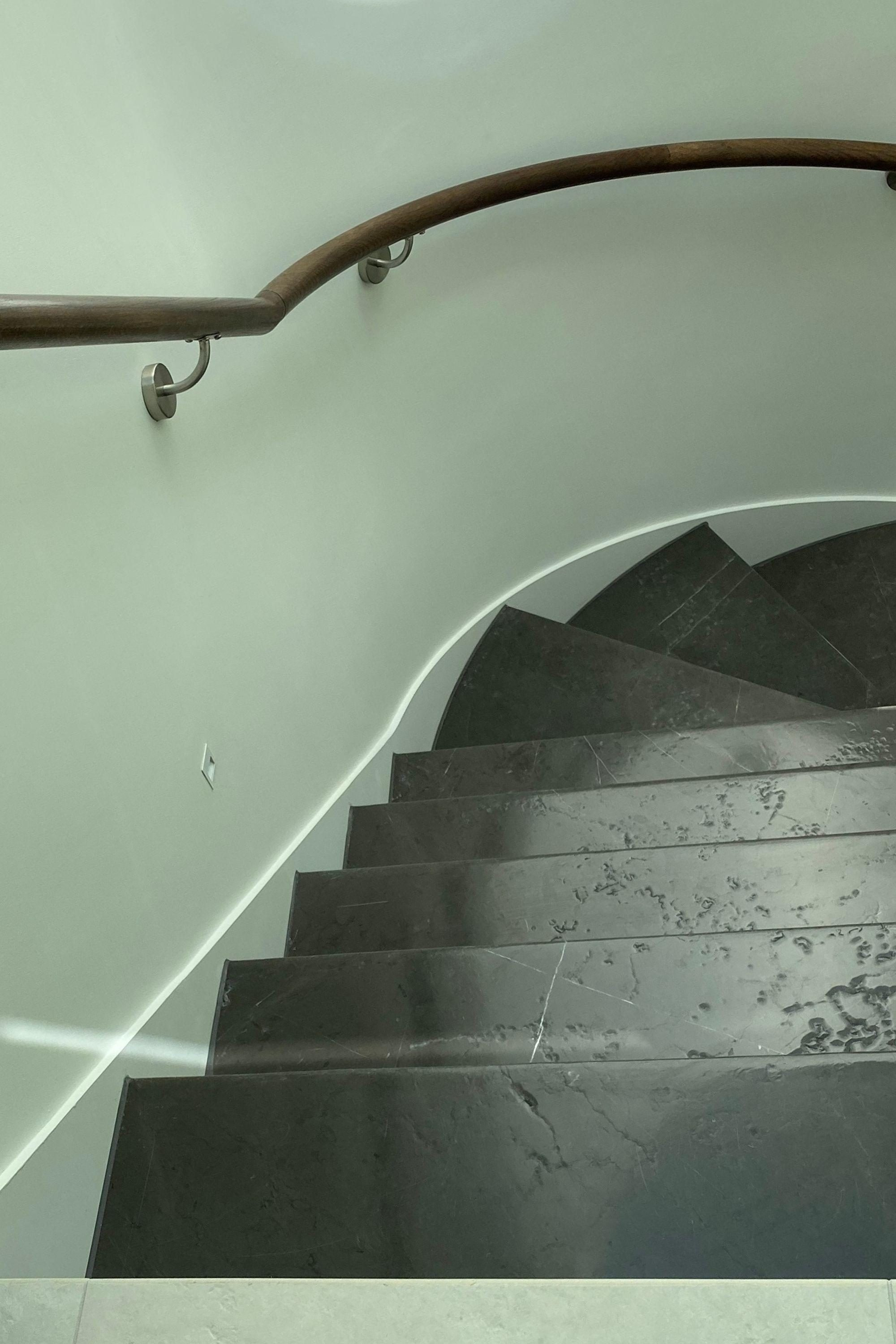 Helical stairs with stone treads