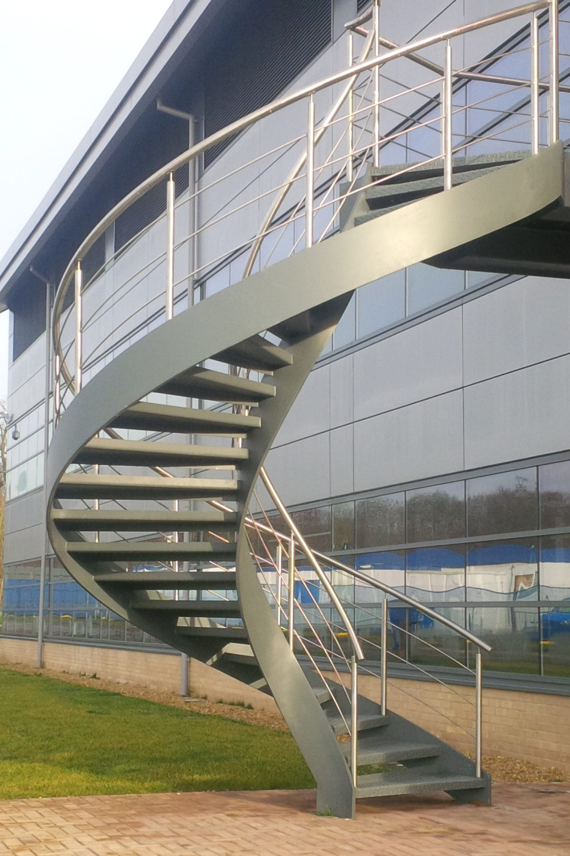 External helical stair
