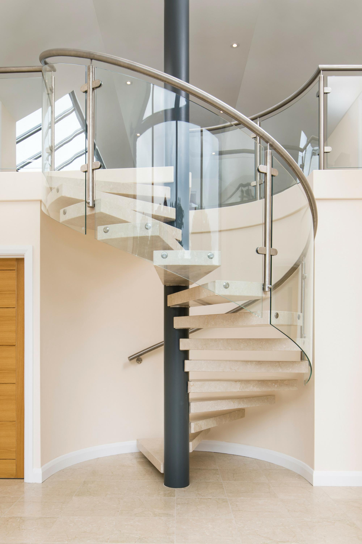 Stone tread spiral staircase